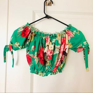 Tops - 🌴 Floral Off the Shoulder Summer Resort Crop Top